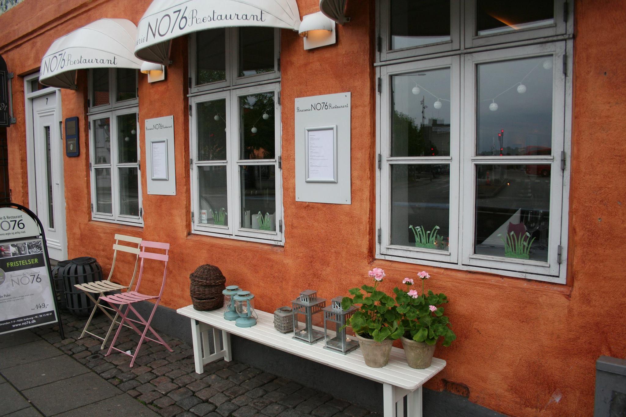 brasserie & restaurant no76 spis mad reserver menukort aalborg book bord ved stranden