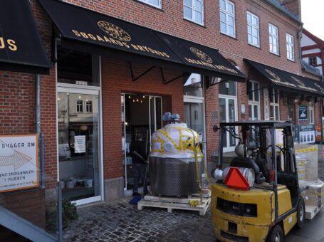 Søgaards Bryghus ombygning aalborg restaurant café book bord brunch frokost aften reserver dinnerlust c.w. obels plads