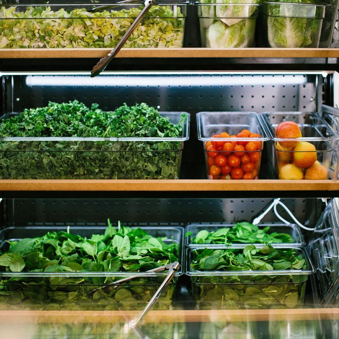Green Neighbour Aalborg menukort magasin fries shopping åbningstider tilbud grøn mad juice salater bowls dinnerlust