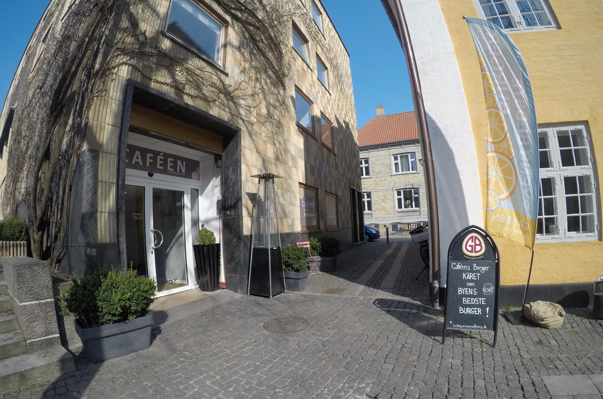 Caféen på Gammeltorv aalborg menukort dinnerlust gl torv book bord reserver åbningstider