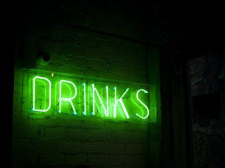 Udforsk din indre bartender med lækre drinks derhjemme